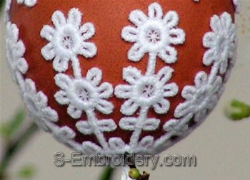 Freestanding Lace Easter Egg Cover close-up image