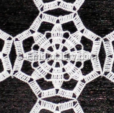 Freestanding Crochet Table Lace - close-up image