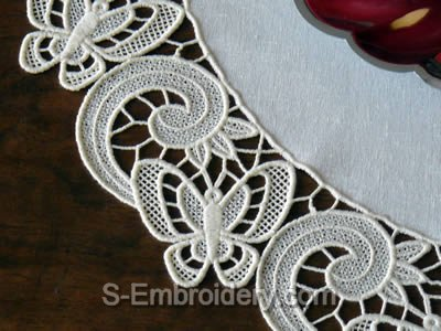 Freestanding Lace Butterfly Doily detailed image