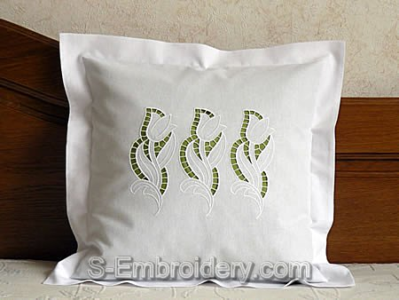 Pillow case with Cutwork Lace Tulip decoration