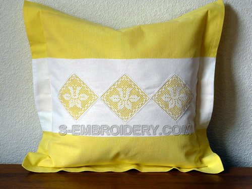 Pillow case decorated with daffodil freestanding lace crochet squares