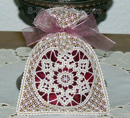 Freestanding Battenberg lace Christmas gift bag