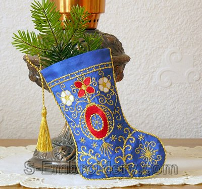 Christmas stocking with machine embroidery decoration