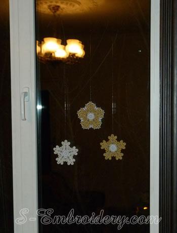 Snowflake Battenberg lace embroidery Christmas window decoration