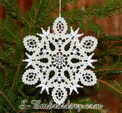 Snowflake Christmas ornament in Battenburg free standing lace