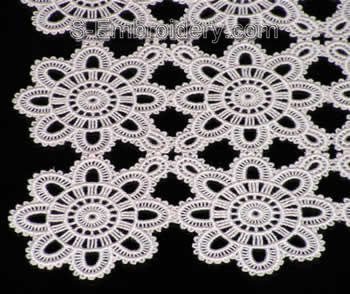 10312 Free standing lace table runner embroidery set