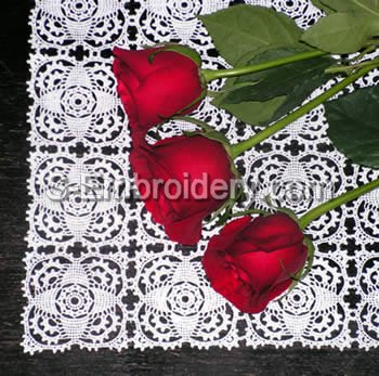 10404 Free standing lace crochet table runner No2
