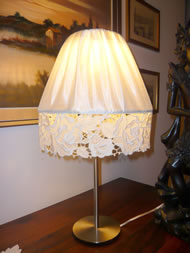 Freestanding lace lamp shade