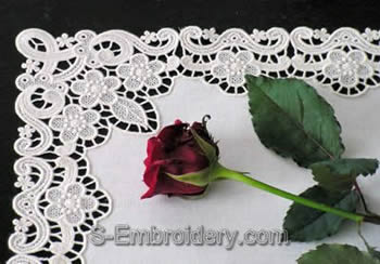 Freestanding lace table runner tutorial