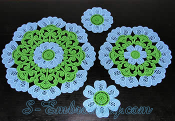 Freestanding lace doily set