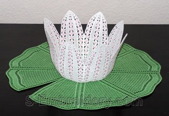 Water Lilly freestanding lace bowl and doily