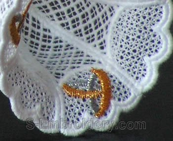 Freestanding lace goblet close-up