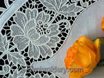 Freestanding Lace Floral Table Runner - close-up image