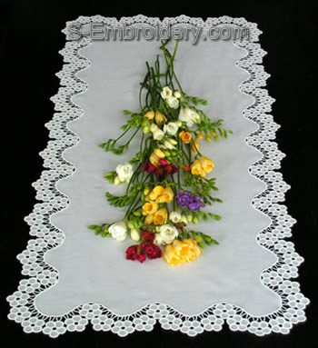 Freestanding Lace Blossom Table runner