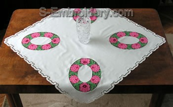 Freestanding Lace Table Topper