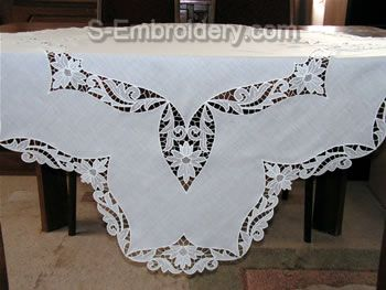 Freestanding lace tablecloth