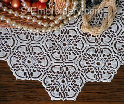 Freestanding lace crochet doily - mono color close-up image