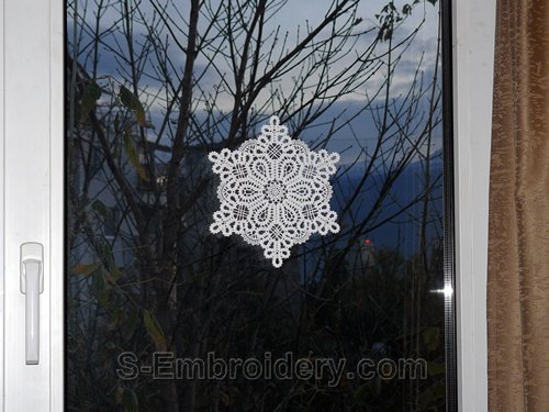 Battenberg lace Christmas window decoration