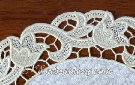 Floral free standing lace doily machine embroidery design - detail image