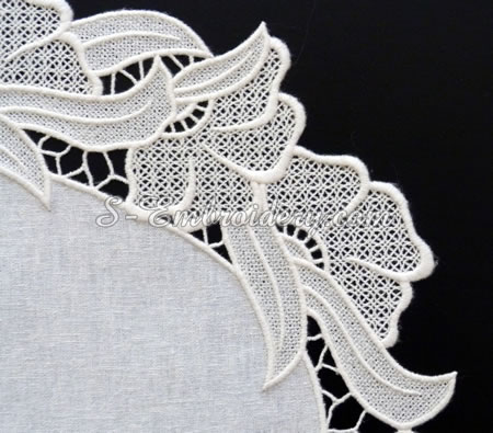 Free standing lace ellipse doily detailed image
