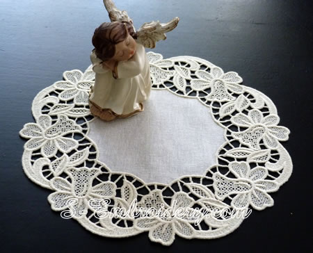 Floral free standing lace doily