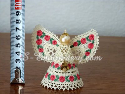 Freestanding lace Christmas angel - size