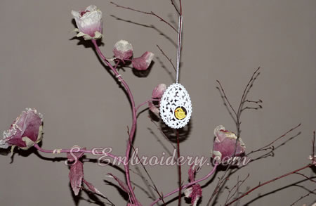 Easter egg freestanding lace ornament w a loop