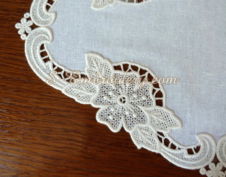 Free standing lace floral doily - detail