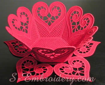 10194 Freestanding lace bowl and doily