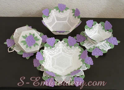 10196 Free standing lace bowls doilies set