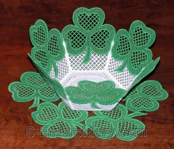 10212 Shamrock free standing lace bowl and doily