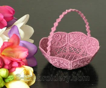 10235 Free standing lace wedding basket No10