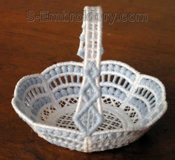 10269 Free standing lace mini basket No21