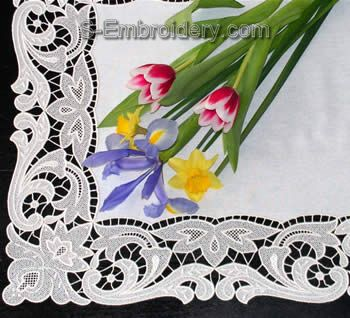 10335 Free standing lace table runner set No4