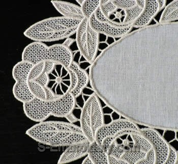 10339 Free standing table lace embroidery set