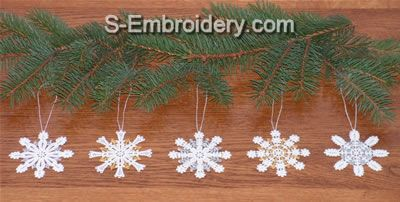 10384 Free standing lace snowflake ornaments set