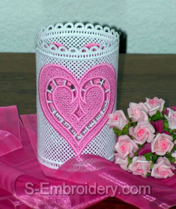 10401 Free standing lace Valentine shades (set of 3)