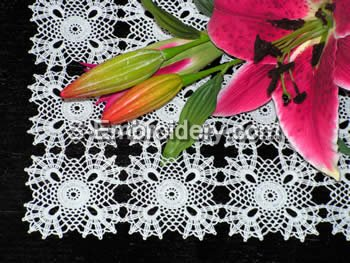 10406 Free standing crochet table lace