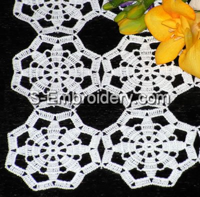 10407 Free standing crochet table lace No2