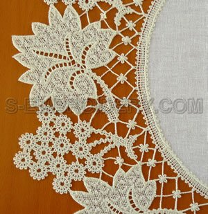 10526 Grapes Battenberg Lace Doily Embroidery