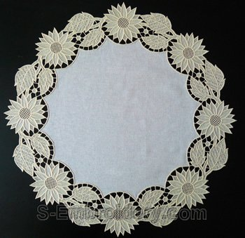 10581 Sunflower free standing lace doily
