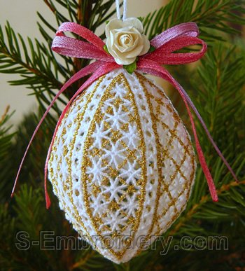 10588 3D Freestanding lace Christmas ornament