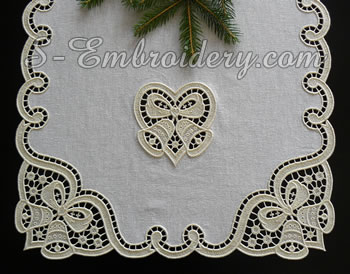 10595 Christmas table runner lace embroidery set