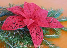 Poinsettia Christmas free standing lace