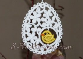 Easter egg free standing lace embroidery